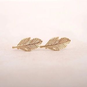 The Chic Petunia Jewelry - New Adorable Dainty Leaf Gold Plated Earrings